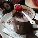 【INIC レシピ】ストロベリー・ラム・ホットチョコレート